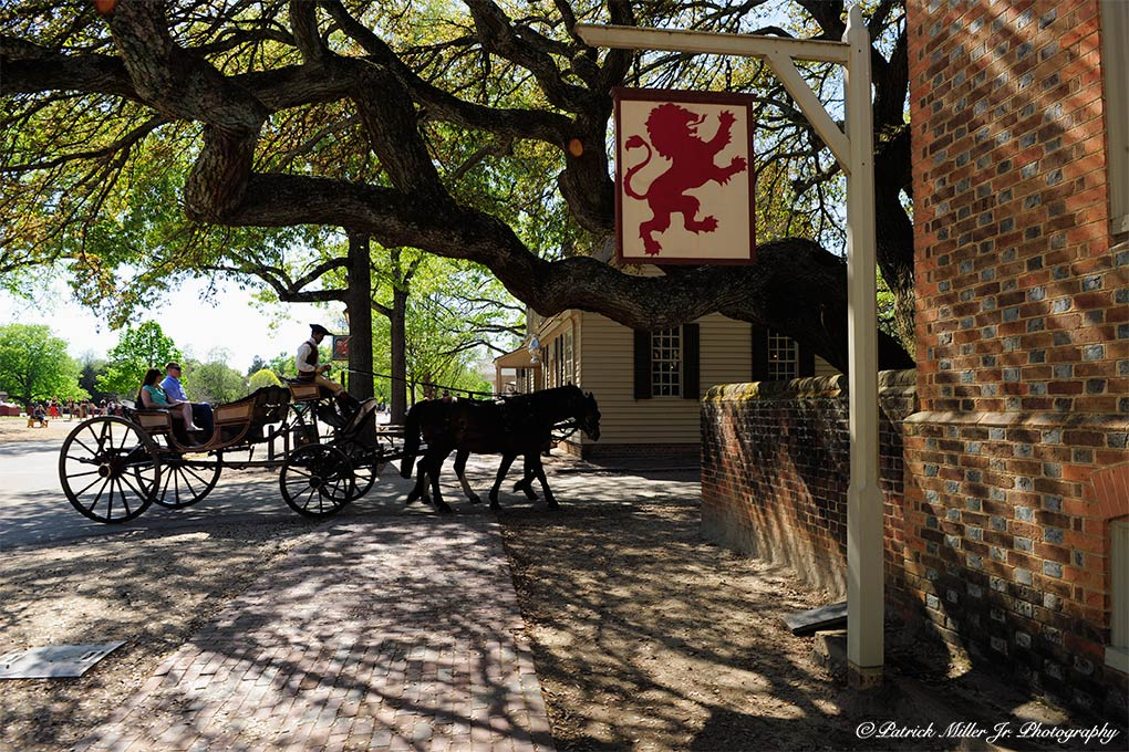 Horse drawn carriage Red Lion Tavern